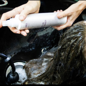 Hair-extension-leave-in-conditioning-spray
